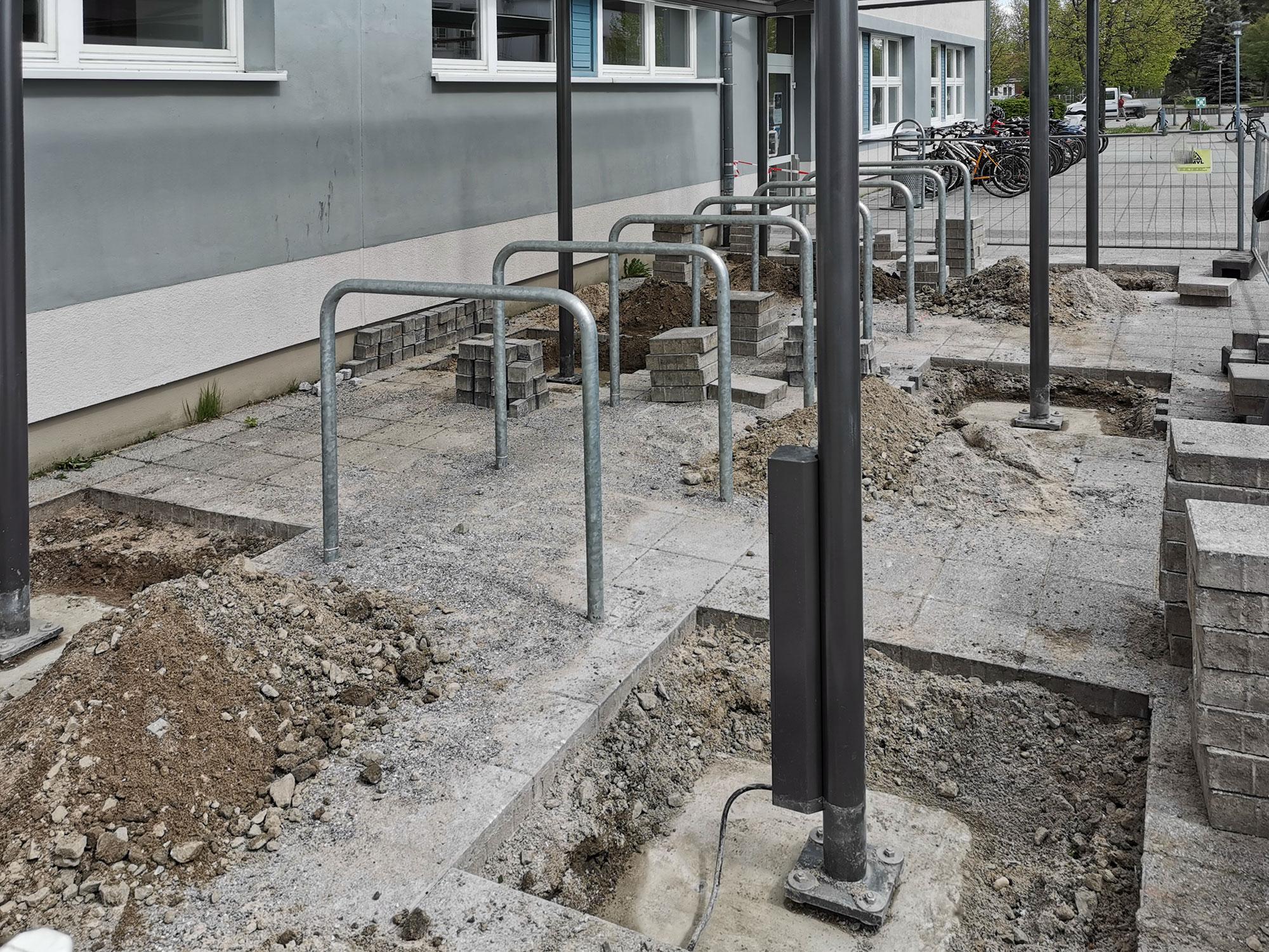 Freilegen von Fundamente an der Hochschule Stralsund.